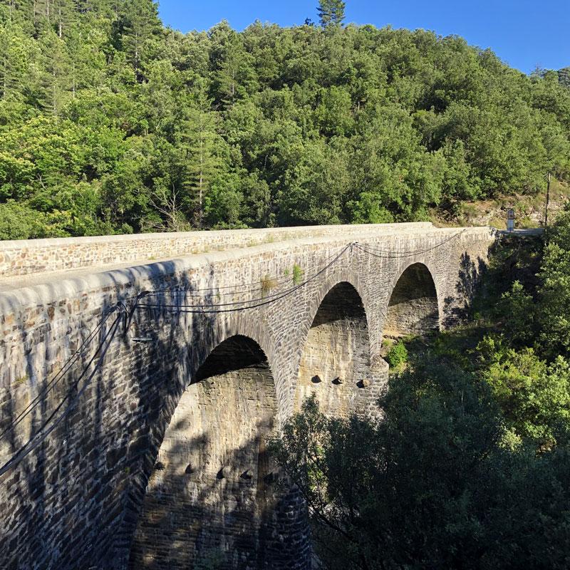 pont sur la Sueille